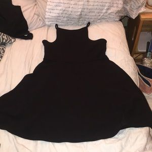 Dresses & Skirts - little black dress
